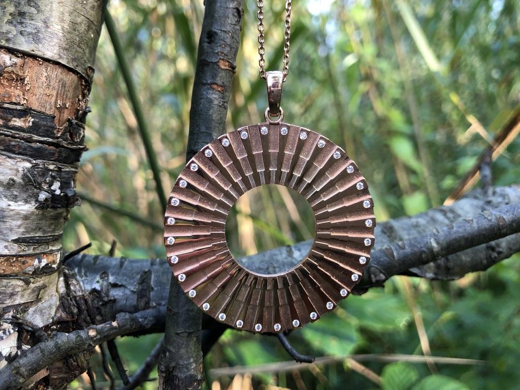 SI Simbolo Chain Pendant Rose gold 32 Diamonds