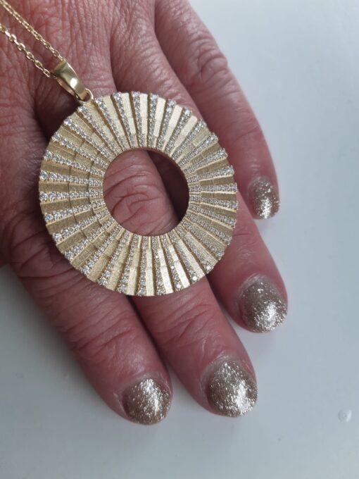 Transformation Chain Pendant SI Simbolo Yellow Gold 352 Diamonds